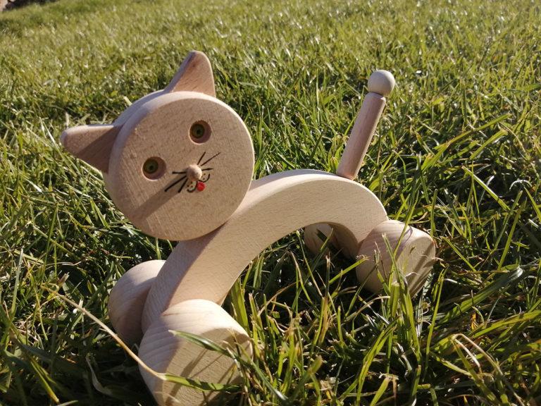 Dřevěná kočka tahací